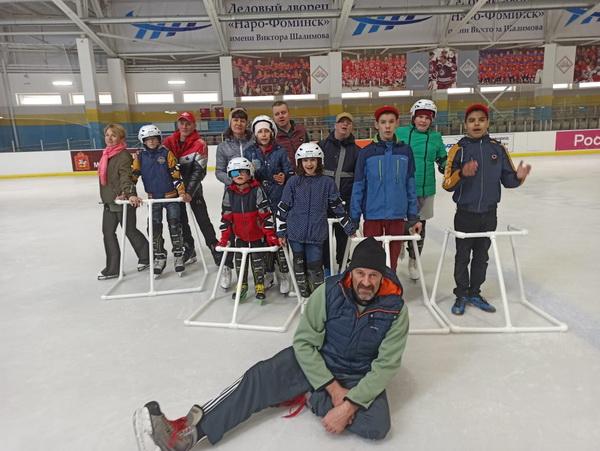 """""""Мы учим детей делать то, что умеем сами"""" – воспитанники РЦ """"Сказка"""" на льду!"""